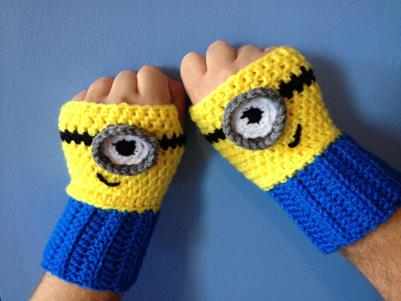 Free Crochet Pattern Minion Mitts : Mi Villano Favorito Ya-De